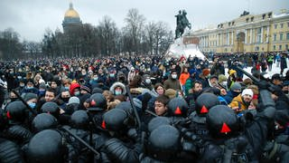 Demos in Russland (Foto: dpa Bildfunk, picture alliance/dpa/AP | Dmitri Lovetsky)
